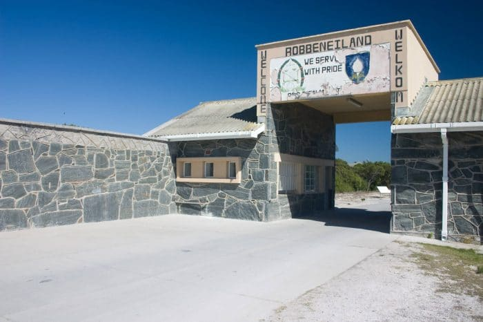 Private Robben Island / Table Mountain Day Tour